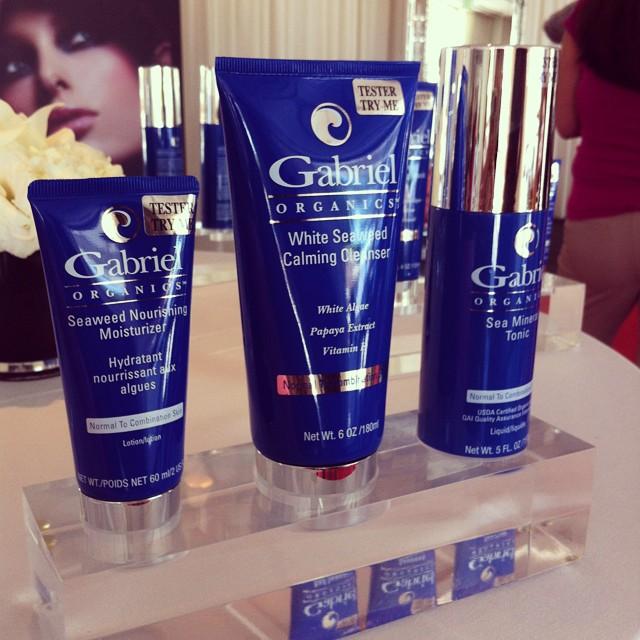 USDA certified #organic @gabrielcosmetics #BurlesqueGabriel @beautyfrosting party! #naturalbeauty